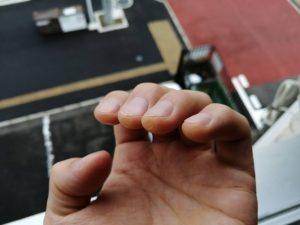 綺麗な音を鳴らすためにも、左手の爪はしっかり切っておきましょう!