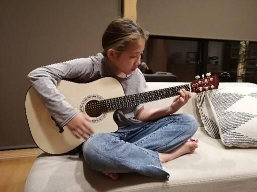 仙台入門ギター弾き語り倶楽部の小学五年生の生徒さん