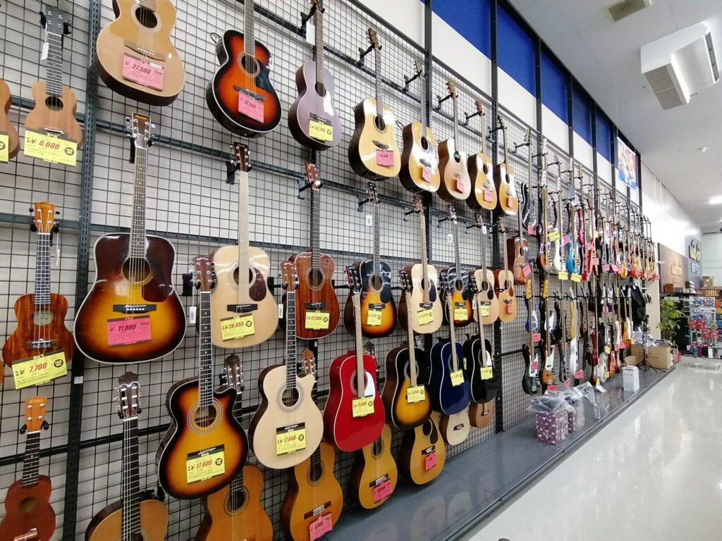 ハードオフ仙台荒井店のアコースティックギター売り場