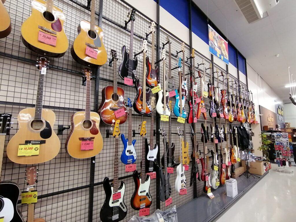 ハードオフ仙台荒井店のギター売り場