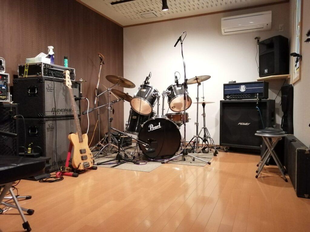 泉区南中山ギターレッスン会場内の画像